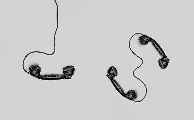 【疑問④】勤務先に電話が掛かってくる事はあるの?
